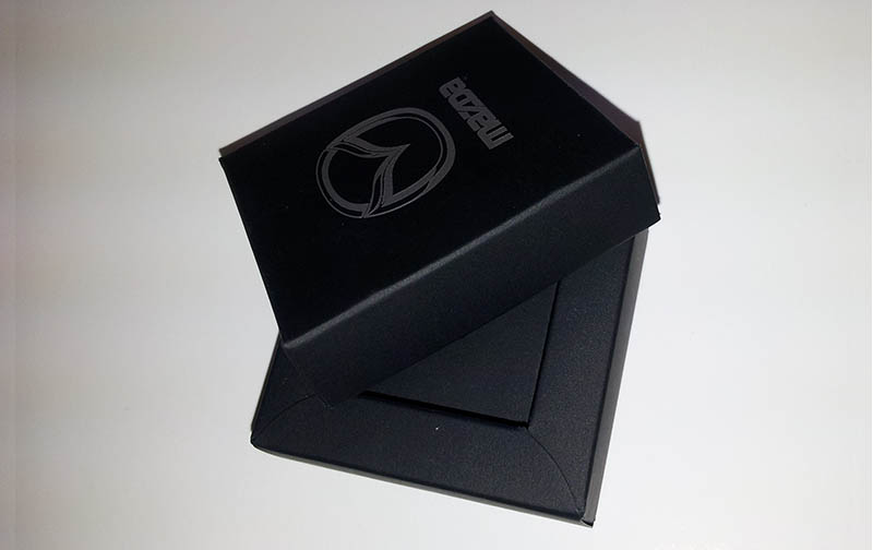 Gift pack for premium watch. Produced using black design card and glossy transparent plastic.